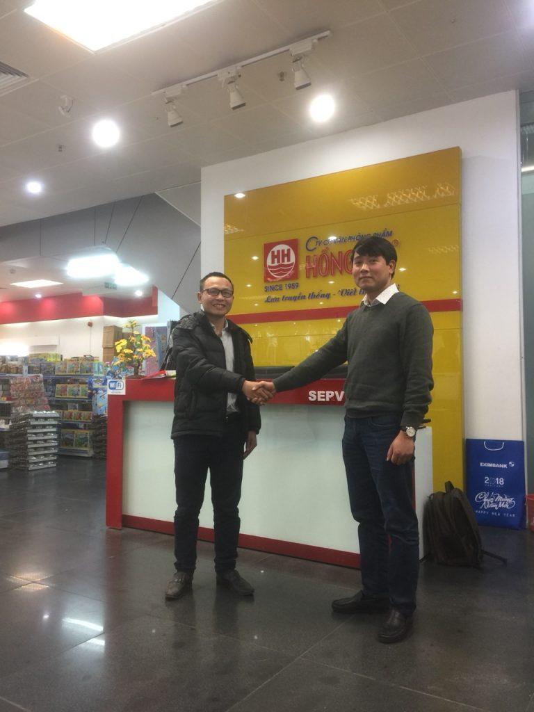 Đại diện phần mềm bán hàng Master Pro và Giám đốc Bán lẻ Tổng Công ty VPP Hồng Hà anh Châu Quý Thật